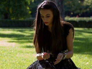 Jasmin KarysiaDhalia